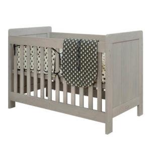 houten babybedje stoer