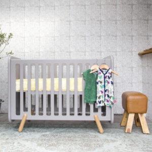 retro ledikant babybedje grijs
